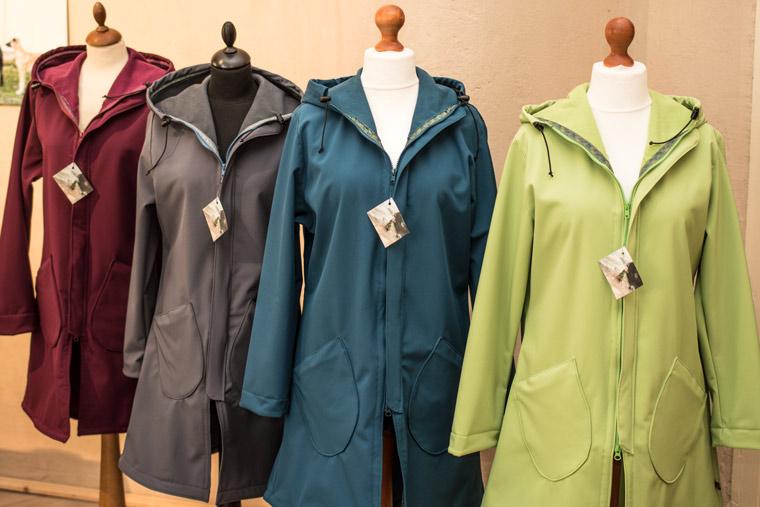 Unsere Kollektion an Softshell-Mänteln für Damen